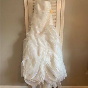 Women Vera Wang Wedding Dresses Prices On Poshmark